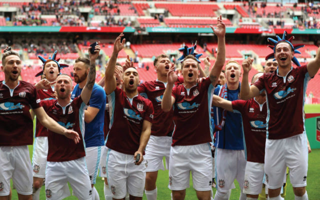 http://i1.chroniclelive.co.uk/incoming/article13068364.ece/ALTERNATES/s1227b/Cleethorpes-Town-v-South-Shields-FA-Vase-Final-Wembley-Stadium.jpg